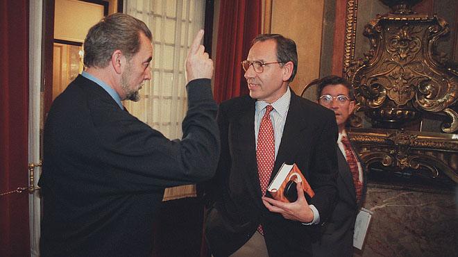 Alfonso Guerra en la Comision Constitucional del Congreso de los Diputados en 1979.