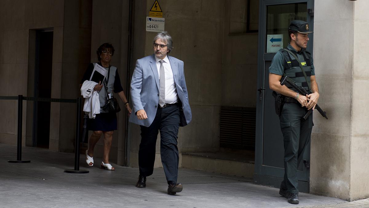 Dos altos cargos del Govern declaran ante la Guardia Civil por el referéndum