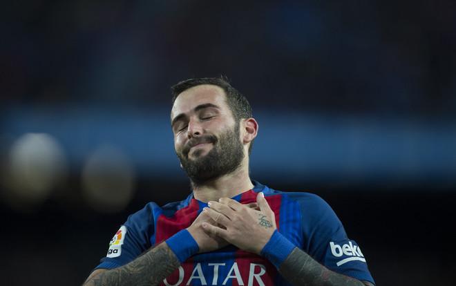 Aleix Vidal, tras su gol en el Camp Nou.