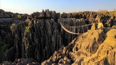 Madagascar, tierra de 'tsingys', baobabs y lemures