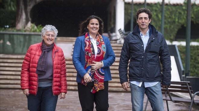 Conchita Martínez, entre la exjugadora Carmen Perea y el vicepresidente de la Federación, Tomàs Carbonell.