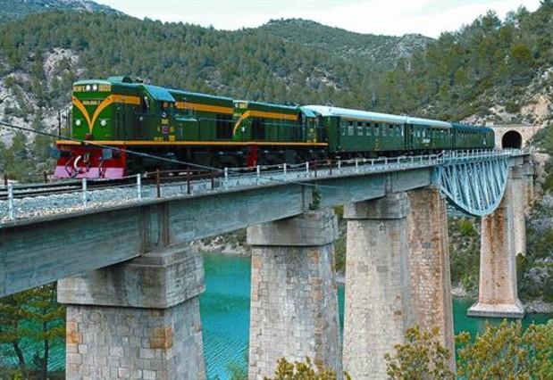 El tren de los cuatro lagos
