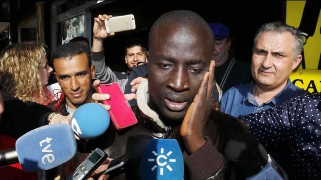 El Gordo de Nadal premia un senegalès arribat a Espanya en pastera