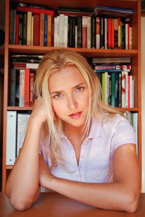 La mujer del exdirector de la Fundación Ideas confiesa que ella es Amy Martin