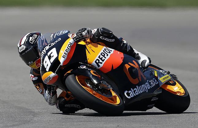 Impresionante demostración de Márquez en Moto2