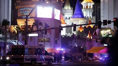"""El pitjor tiroteig massiu de la història dels EUA converteix Las Vegas en """"zona de guerra"""""""