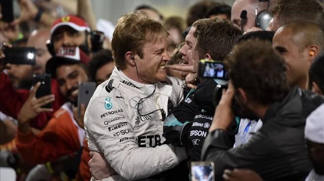 Nico Rosberg celebra el triunfo en el GP de Bar�in.