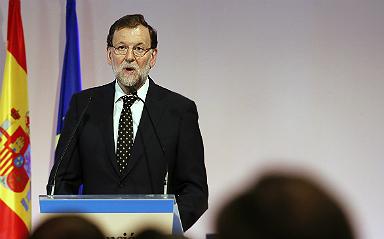 Rajoy adelanta seis meses la rebaja fiscal en clave electoral