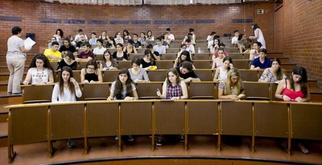 Pruebas de selectividad, en la Facultad de Biolog�a de la UE, el pasado junio.