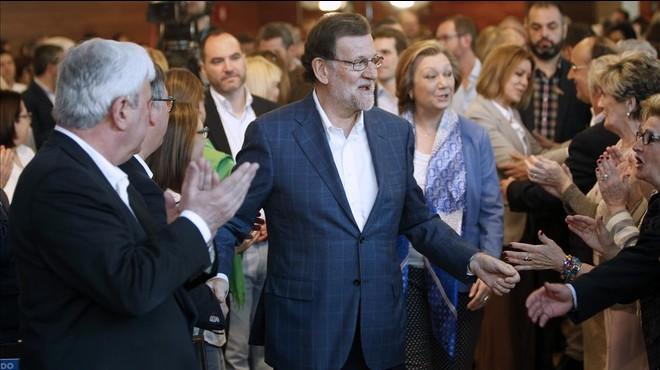 Rajoy obvia el 'cas Soria' i segueix amb la precampanya