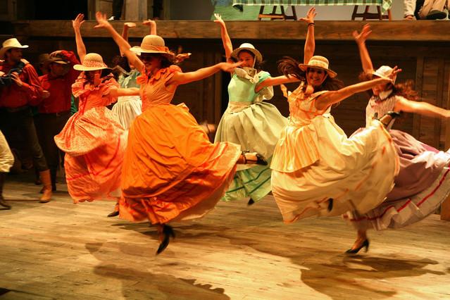 El Teatre del Sol de Sabadell cumple 25 a�os con las �ltimas representaciones de 'Set n�vies per a set germans'