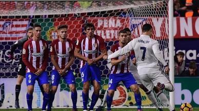 Ronaldo castiga l'Atlètic en l'últim derbi al Calderón
