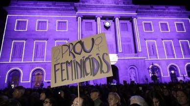 Minuto de silencio en Barcelona por las víctimas de la violencia machista