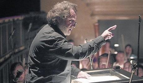 Josep Pons, en un ensayo con la Orquesta del Liceu, en abril del 2013.