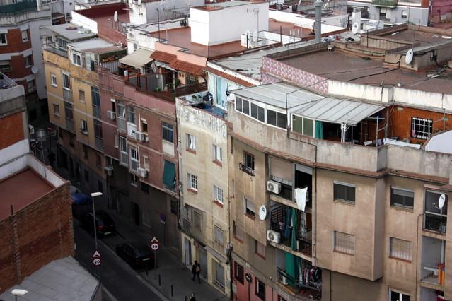 Santa coloma invierte 1 8 millones de euros en la for Pisos en santa coloma de gramenet particulares