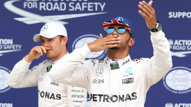 Hamilton torna a obrar el miracle en Silverstone