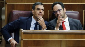 Pedro Sánchez y Antonio Hernando, el pasado 19 de julio en el Congreso.