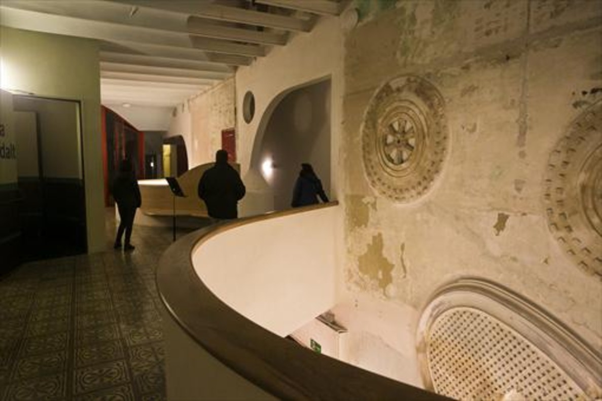En Pere IV 8 Edificio restaurado que acoge la Sala Beckett, ayer.