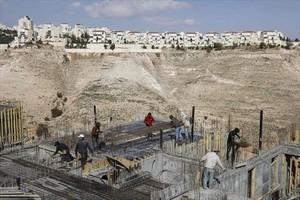 Trabajos de construcción de viviendas en el asentamiento israelí de Maale Adumim, en Jerusalén este.