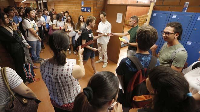 Algo más de 32.000 jóvenes catalanes se someten a las pruebas de acceso a la universidad.