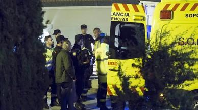Almenys una desena de fugats i tres policies ferits en un motí al CIE de Múrcia
