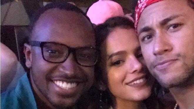 """""""El Instagram de Neymar Jr. es un festival de lujo y diversión."""""""