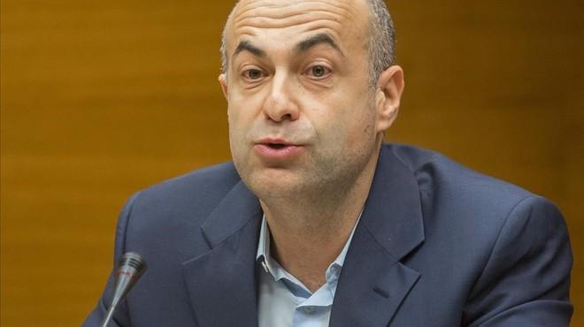 El exjefe de seguridad de Ferrocarrils de la Generalitat Valenciana Arturo Rocher, durante su declaraci�n.