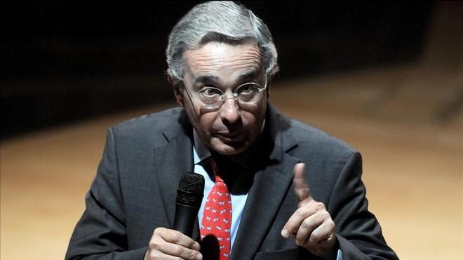 El expresidente de Colombia �lvaro Uribe V�lez, en una conferencia, el 14 de agosto del 2012.