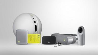 El 'smartphone' G5 de LG y sus nuevos módulos, en uso