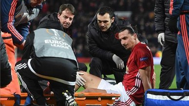 Les esgarrifoses imatges de la lesió d'Ibrahimovic