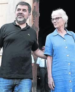 Jordi Sànchez i Muriel Casals,sortint del Palau, dimarts passat.