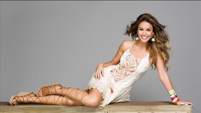 Lara �lvarez, presentadora del 'reality' de Tele 5 'Supervivientes'.