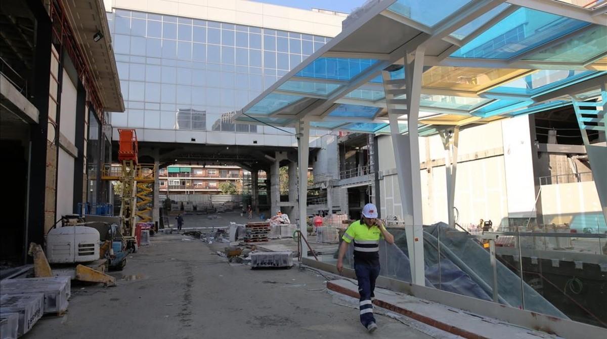 El centro comercial de gl ries se reforma con tiendas y - Centro comercial sant boi ...