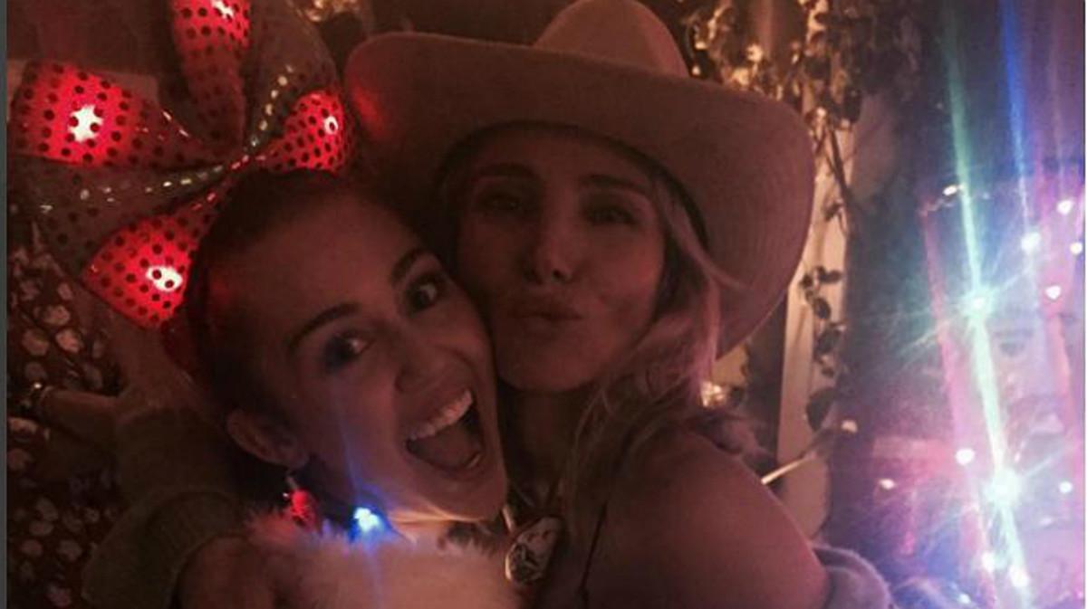 Elsa Pataky i Miley Cyrus celebren juntes el Nadal