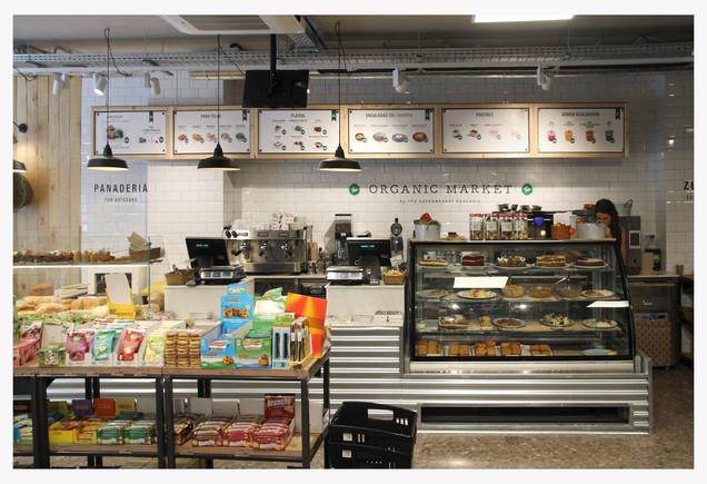 El supermercado 'eco' de Organic Market en paseo de Sant Joan, 46, el más grande que ha abierto la cadena hasta la fecha.