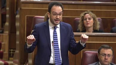 El portavoz socialista en el Congreso de los Diputados, Antonio Hernando, en la sesión el pleno de este miércoles.