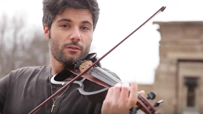El violinista Jose Asunción se ha hecho famoso con su versión de 'Despacito'.