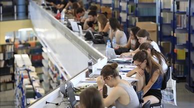 La beca de la Generalitat solo cubre al 4% de los alumnos de máster