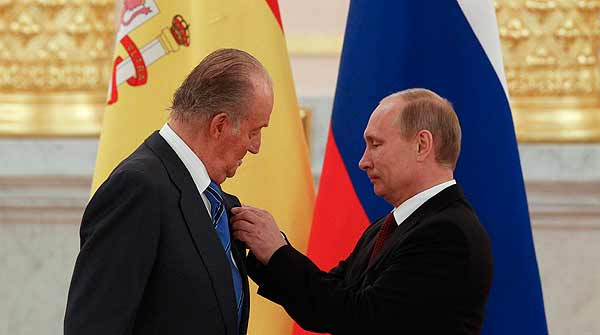 El rey Juan Carlos se rene con Putin