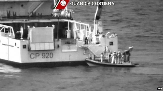 Primeras imágenes de parte del rescate de los 700 migrantes desaparecidos.