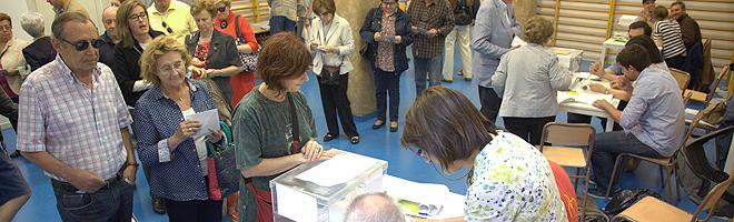 Ambiente en un colegio electoral de Barcelona.