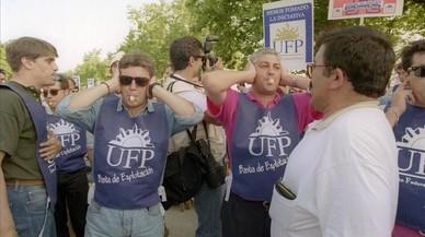 Els policies olímpics surten al carrer a protestar pels seus allotjaments