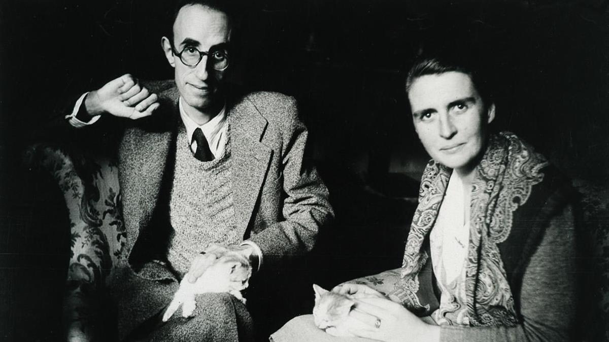 Màrius Torres y Mercè Figueras, en el Mas Blanc, meses antes de la muerte del poeta en 1942.