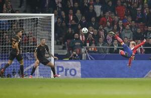 Griezmann marca el primer gol del Atlético con una chilena soberbia