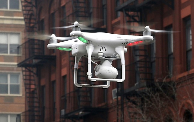 Un dron operado por un civil volando en Nueva York