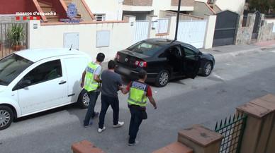Detingut per pagar compres amb bitllets falsos a través d'una 'app'