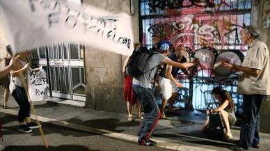 """El Raval tiene 107 viviendas vacías en """"zonas calientes"""" de narcopisos"""