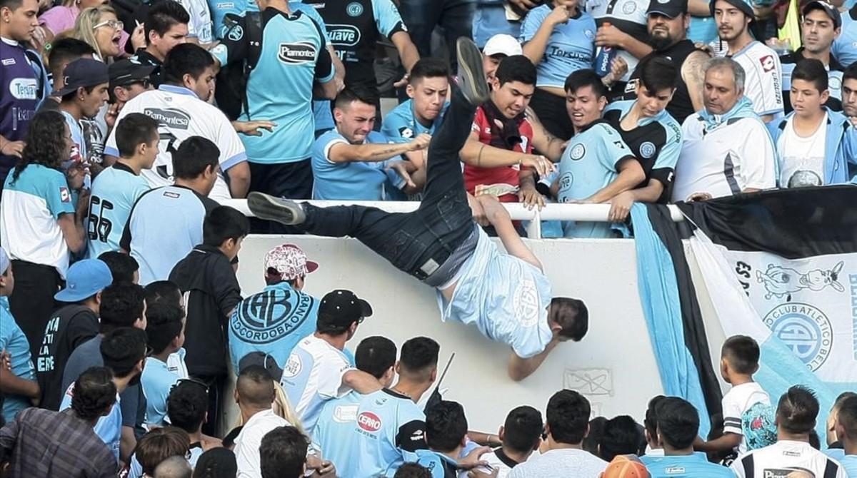Argentina, los miserables de las gradas