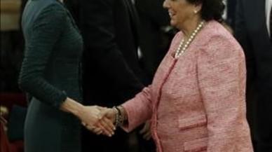 Barberá apareix a la càmera mentre Iglesias critica la seva presència a la cerimònia del Congrés