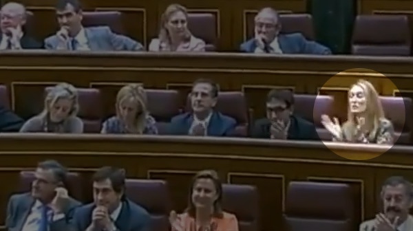 Andrea Fabra pronuncia &#34;que se jodan&#34; en el Congreso